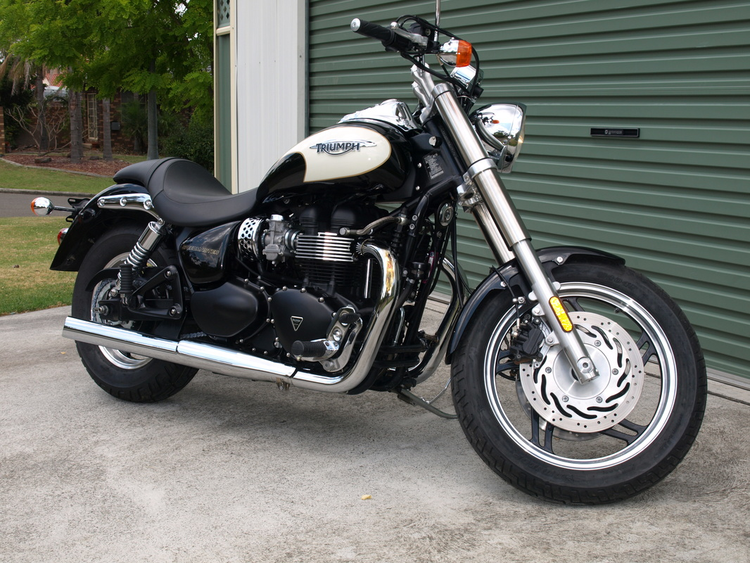 2010 Triumph Speedmaster - 865 cc.......beautiful bike.